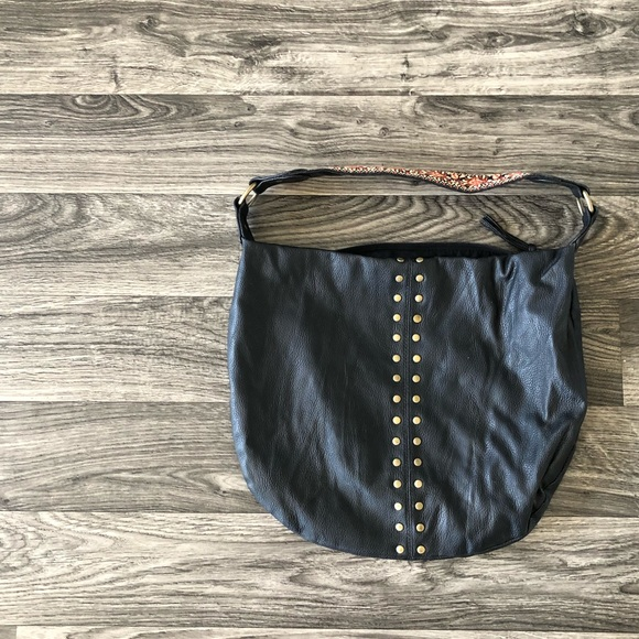 SOLD * 2/$15 - ROXY Embroidered Purse